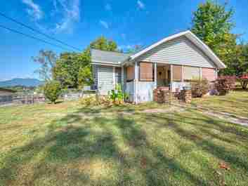 98 Thompson Street in Canton, NC 28716 - MLS# 3556373