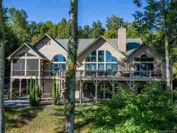 305 Piney Knoll Lane in Hendersonville, North Carolina 28739 - MLS# 3557740