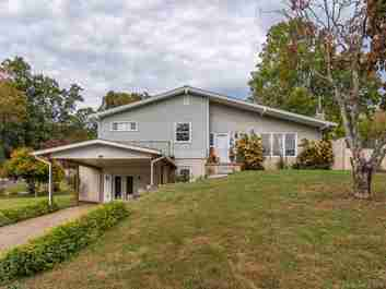 21 Club Knoll Avenue in Waynesville, NORTH CAROLINA 28786 - MLS# 3562740