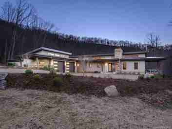 121 High Hickory Trail in Swannanoa, NC 28778 - MLS# 3568799