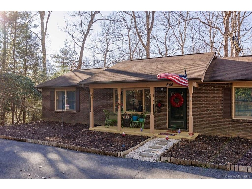 Image 1 for 646 Sunset Drive in Hendersonville, NC 28791 - MLS# 3575692