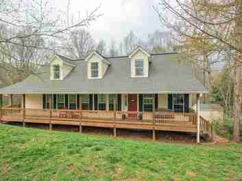 121 Curly Oaks Drive in Clyde, NC 28721 - MLS# 3575975