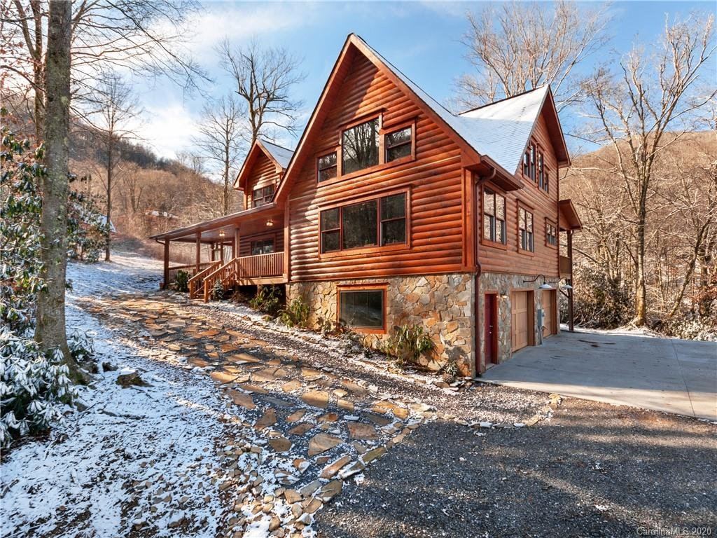 Image 1 for 896 Jonathan Trail in Maggie Valley, NC 28751 - MLS# 3579719