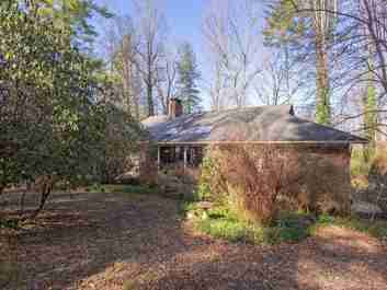 138 Larchmont Drive in Hendersonville, North Carolina 28791 - MLS# 3585009