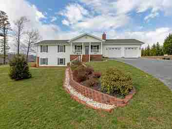 116 Kay Road in Flat Rock, NORTH CAROLINA 28731 - MLS# 3586131