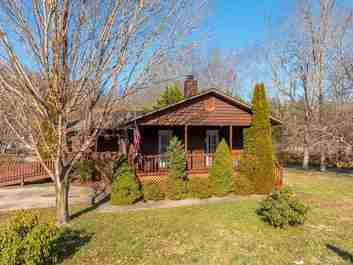 10 Clearwater Drive in Waynesville, NORTH CAROLINA 28785 - MLS# 3589796