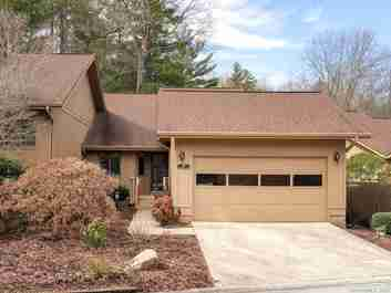 107 Red Oak Drive in Hendersonville, NC 28791 - MLS# 3597095