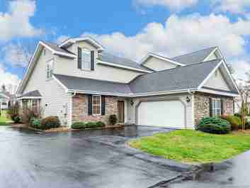 224 Towne Place Drive #16A in Hendersonville, NC 28792 - MLS# 3604284
