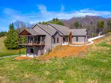 68 Highland Hills Drive in Burnsville, NC 28714 - MLS# 3609326