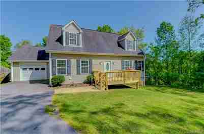 527 East Street in Candler, NC 28715 - MLS# 3617587