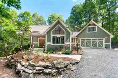 589 Ashley Bend Trail in Hendersonville, NC 28792 - MLS# 3636660