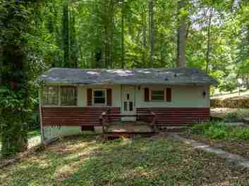 90 Ash Drive in Maggie Valley, NORTH CAROLINA 28751 - MLS# 3636696