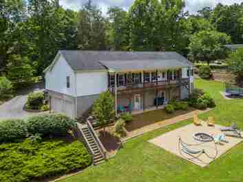 281 Hamlet Park Drive in Clyde, NORTH CAROLINA 28721 - MLS# 3636971