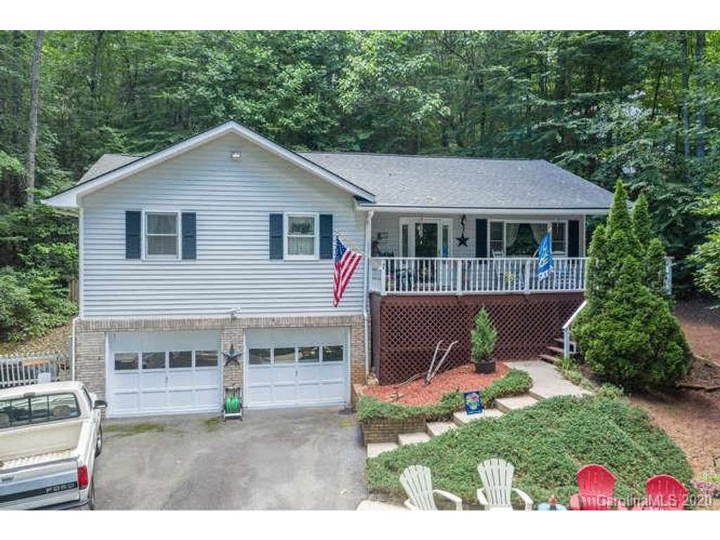 Image 1 for 7 Park Knoll Drive in Horse Shoe, NC 28742 - MLS# 3639143