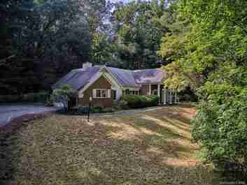32 Cedarcliff Road in Asheville, NORTH CAROLINA 28803 - MLS# 3646621