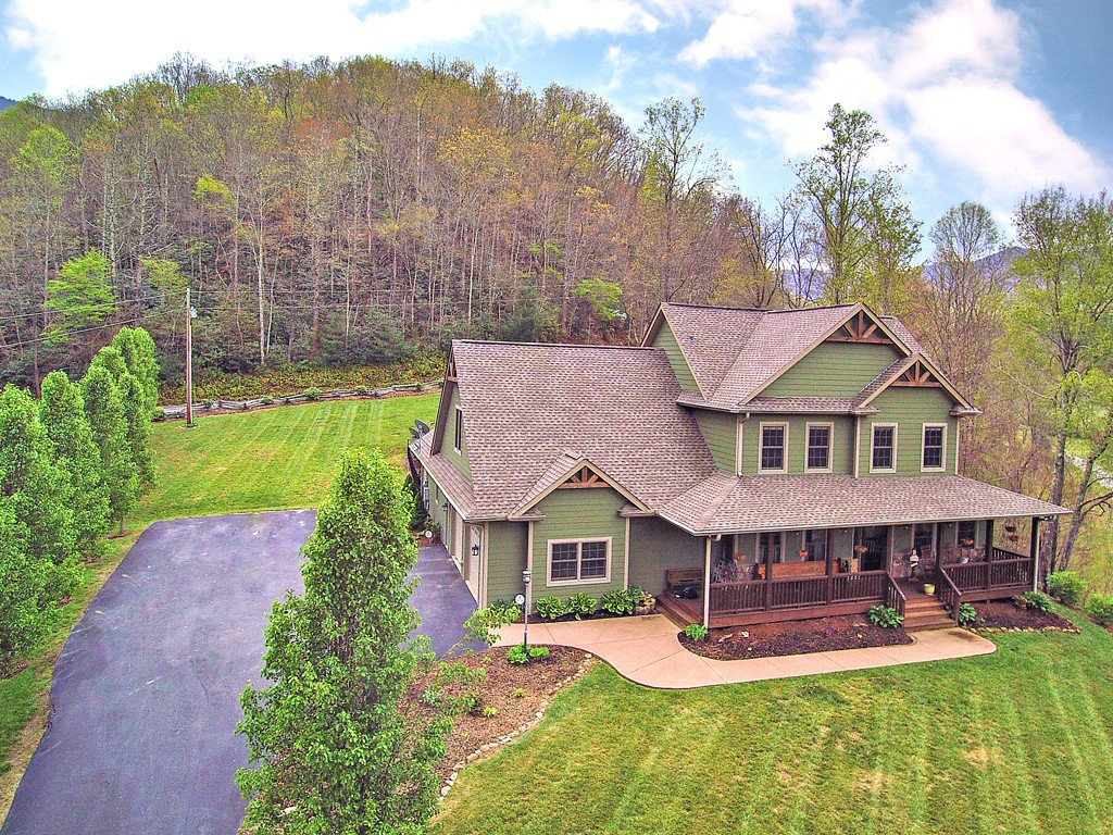 44 Parker Road in Canton, North Carolina 28716 - MLS# 3275077