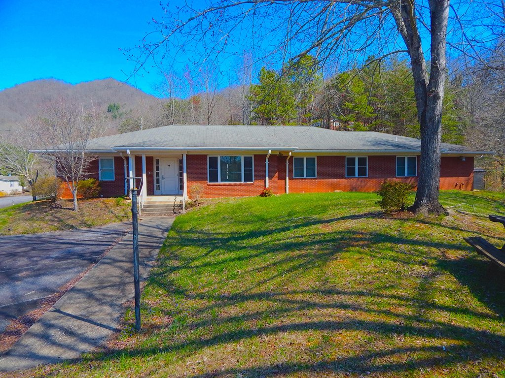 144 Falls Circle in Sylva, North Carolina 28779 - MLS# 3375166