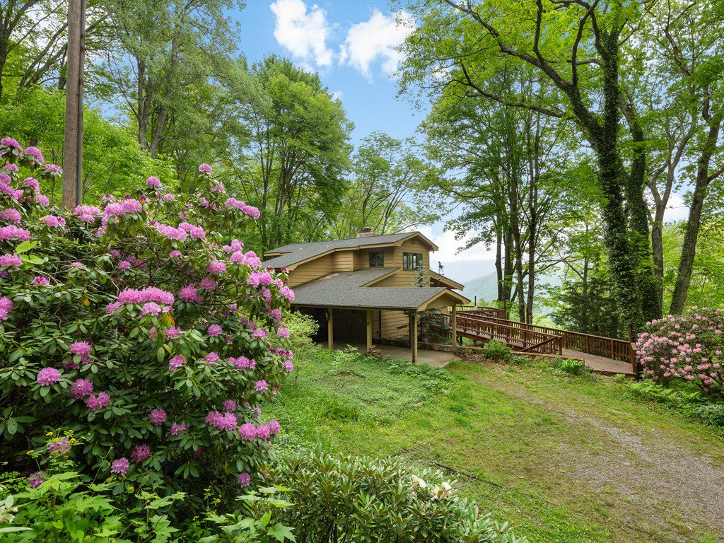 495 Pulsifer Lane in Maggie Valley, North Carolina 28751 - MLS# 3395534