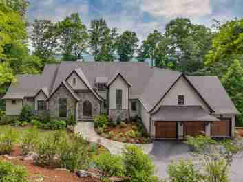 506 High Cliffs Road in Hendersonville, North Carolina 28739 - MLS# 3397380