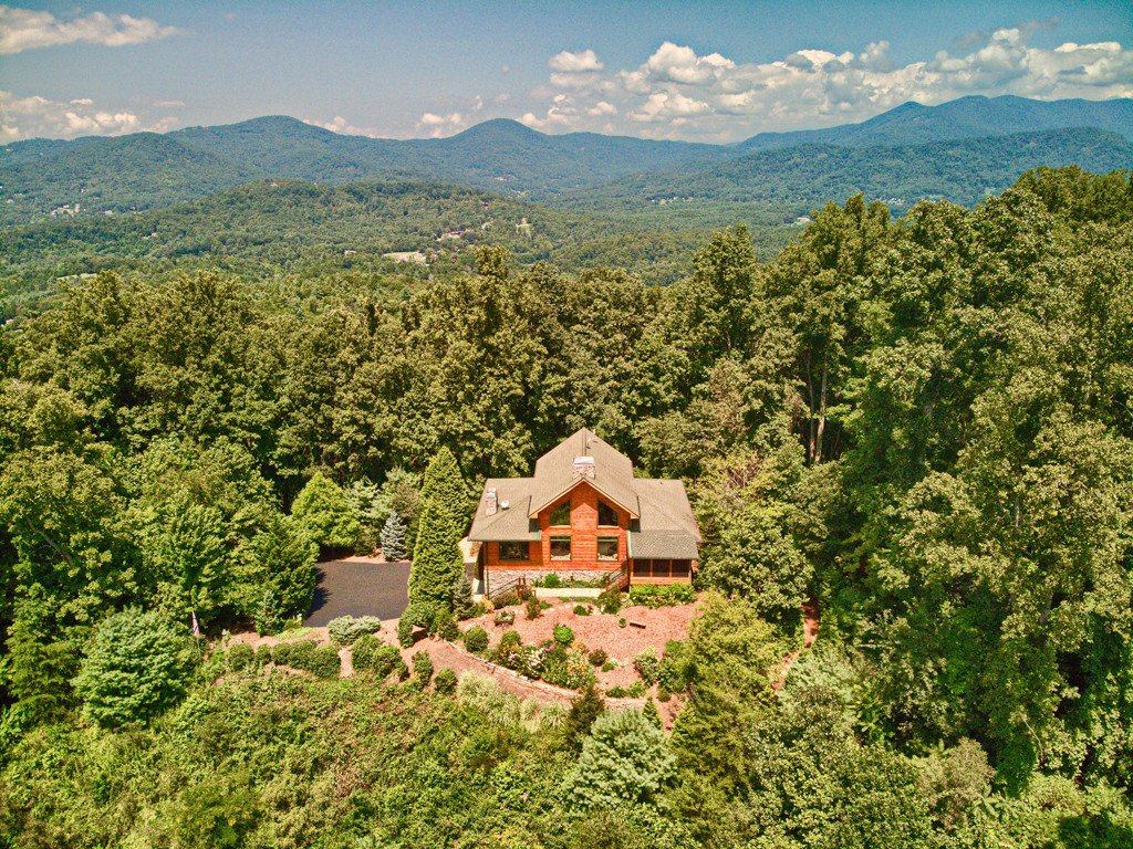 7 Hampton Parish Drive in Asheville, North Carolina 28805 - MLS# 3425211