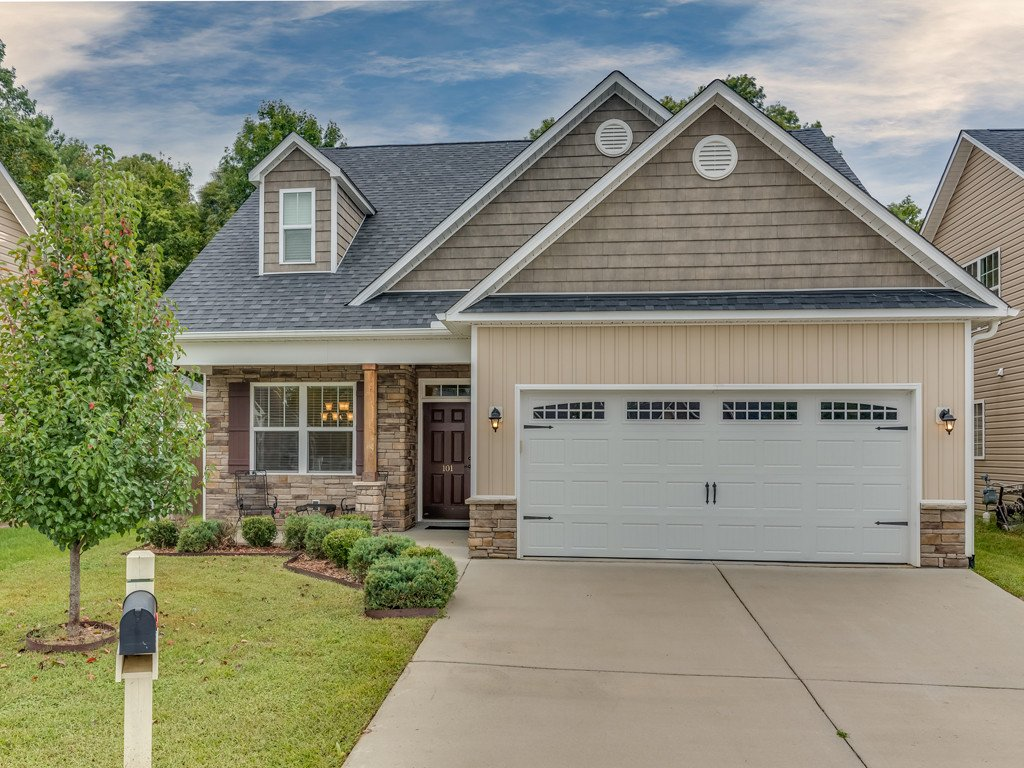101 Foxtail Court #9 in Hendersonville, North Carolina 28792 - MLS# 3438832