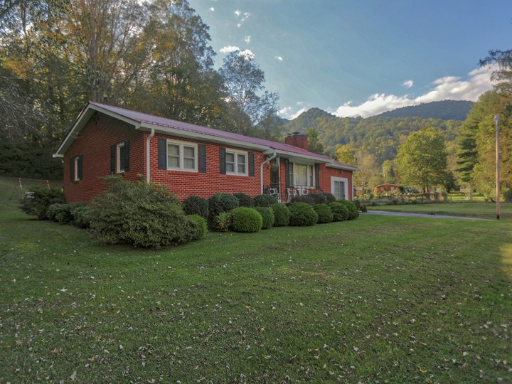 Image 1 for 35 R And K Drive in Waynesville, North Carolina 28786 - MLS# 3442481