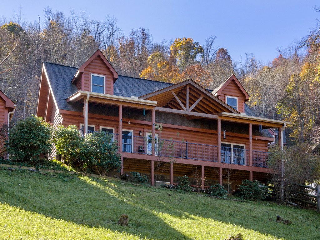 720 Traditions Way in Mars Hill, North Carolina 28754 - MLS# 3453069