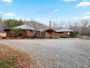 156 Clear Crossing Lane in Horse Shoe, North Carolina 28748 - MLS# 3456981