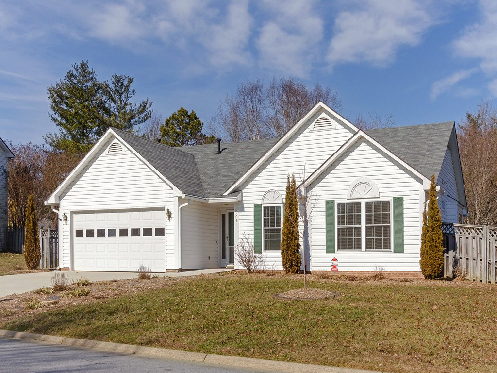 921 Woodhill Drive in Fletcher, North Carolina 28732 - MLS# 3471473