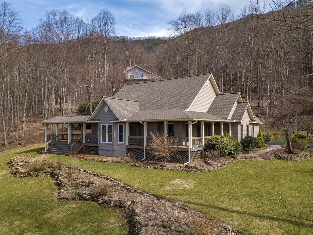 207 Presidential Drive in Waynesville, North Carolina 28786 - MLS# 3475393