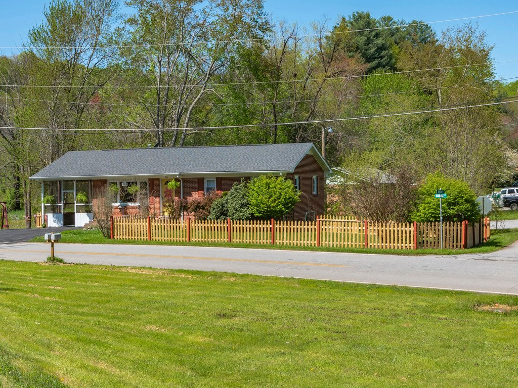 242 Oakdale Road in Waynesville, North Carolina 28786 - MLS# 3499547