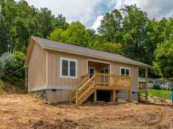 37 Lookout Lane in Waynesville, North Carolina 28785 - MLS# 3524115