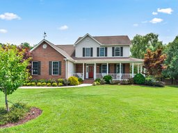 62 Classic Oaks Circle in Hendersonville, North Carolina 28792 - MLS# 3530090