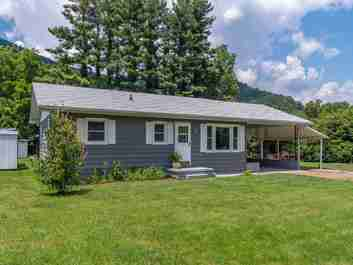 48 Estes Drive in Waynesville, North Carolina 28786 - MLS# 3536113
