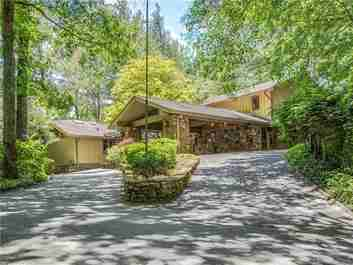 907 North Club Boulevard in Lake Toxaway, North Carolina 28747 - MLS# 3525587
