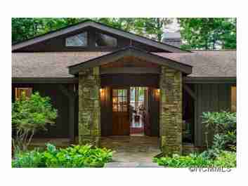 39 Cardinal Drive Drive E in Lake Toxaway, North Carolina 28747 - MLS# 590807