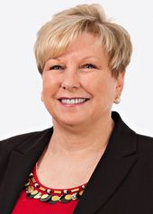Photo of Sharon Carlyle
